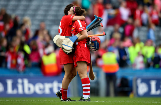 Aoife Murphy and Niamh Ni Chaoimh dejected at the end of the game