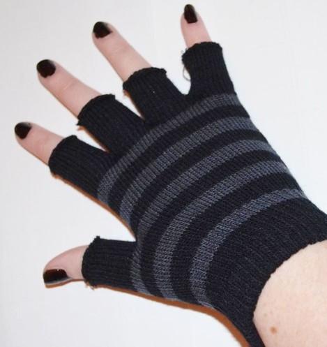 grey-and-black-striped-short-emo-fingerless-gloves-6310-p