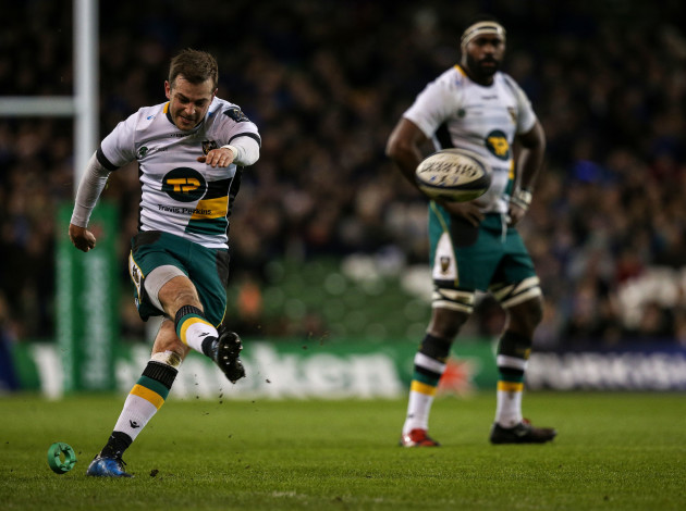 Stephen Myler attempts to kick a penalty