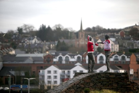 Peace Statue Christmas jumpers
