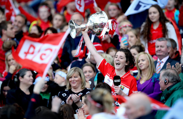 Ciara O'Sullivan lifts the trophy