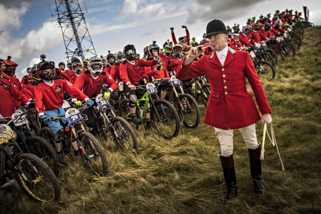 Bugle preparing the pack at the Red Bull Foxhunt