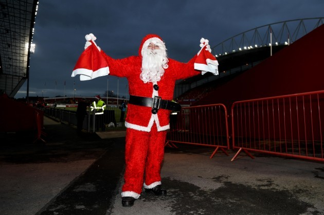 Santa gives out hats for todays game 26/12//2016