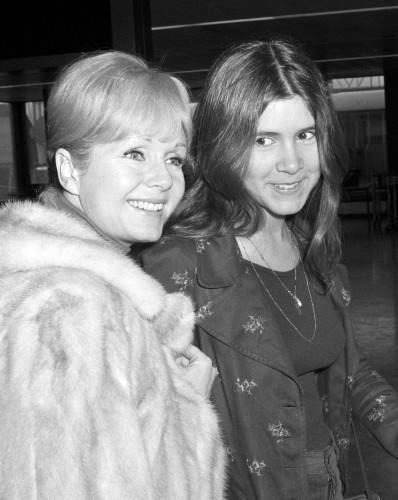 Debbie Reynolds suffers stroke