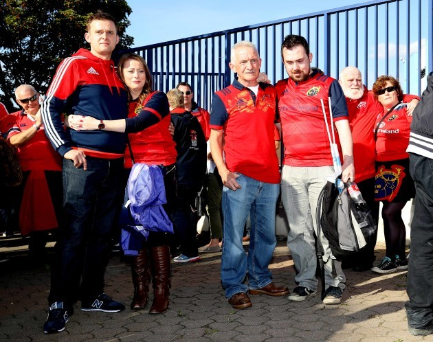 Munster fans gather to pay tribute to Anthony Foley the Munster head coach who passed away during the night