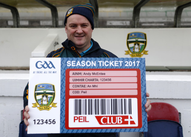Martin O'Halloran with a new season ticket for Meath manager Andy McEntee