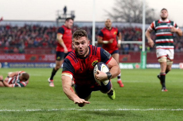 Jaco Taute scores their third try