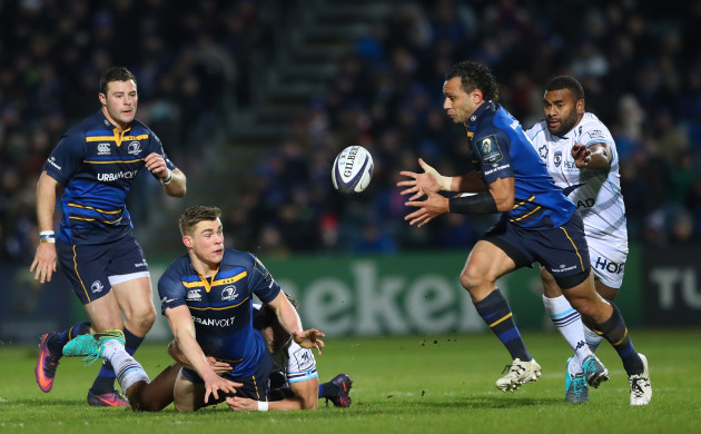 Garry Ringrose offloads to Isa Nacewa as he is supported by Robbie Henshaw