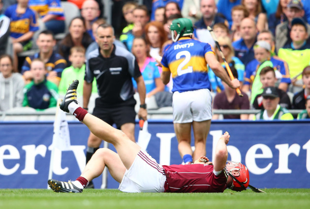 Joe Canning sustains an injury