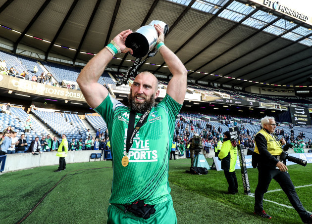 John Muldoon celebrates with the Guinness PRO12 trophy