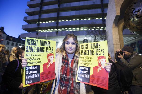 37 Anti-Trump protest_90500592