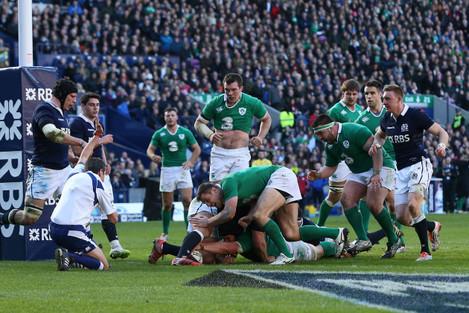 Sean O'Brien scores their fourth try