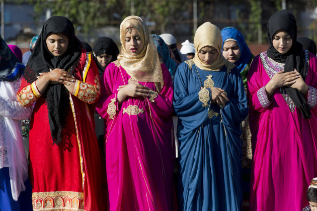 white female muslim converts