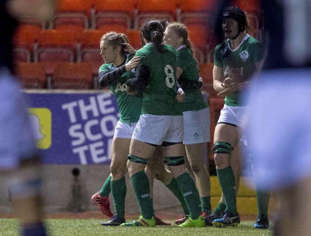 Ireland players celebrate Alison Miller's try