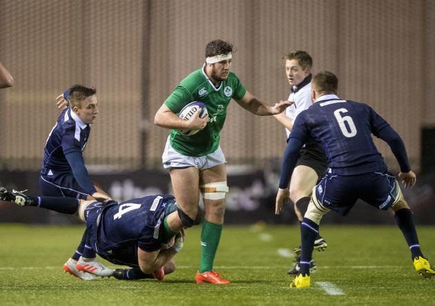 Alex Craig tackles Caelan Doris
