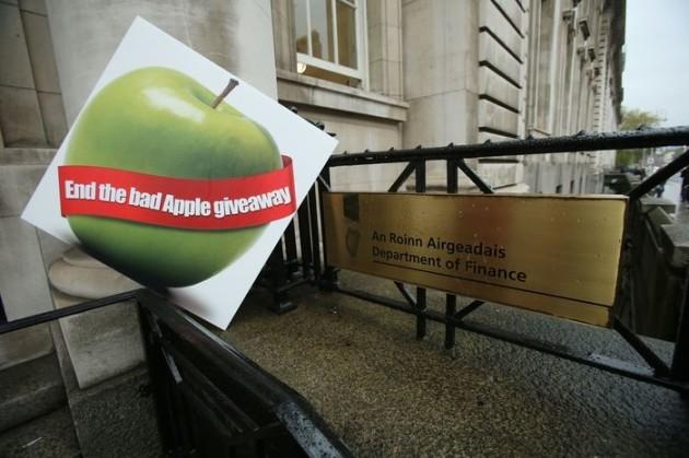 apple tax rollingnews