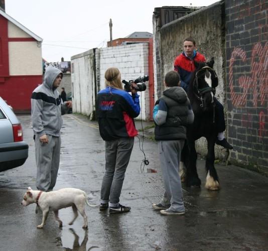 filming utenfor hestestall (1)
