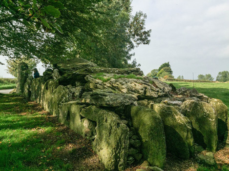 View showing length of Labbacallee wedge tomb