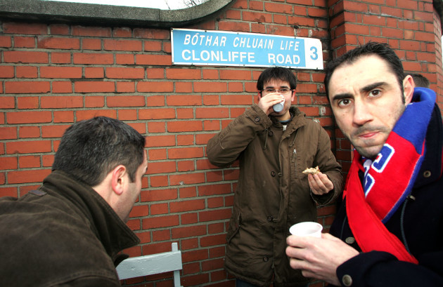 French fans on Clonliffe Rd