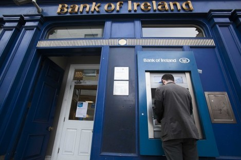 File Photo BANK OF IRELAND looking into complaints that its debit cards are not working in some stores. A number of BOI customers have contacted the bank on Twitter to ask why money is unable to come out of their accounts. The bank said in the last few mi