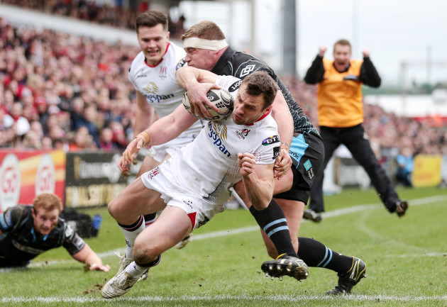 Tommy Bowe goes over in the corner for a try