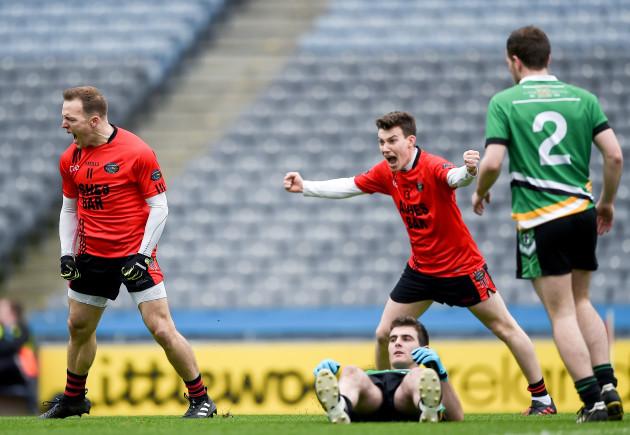 Darran O'Sullivan celebrates scoring his sides first goal