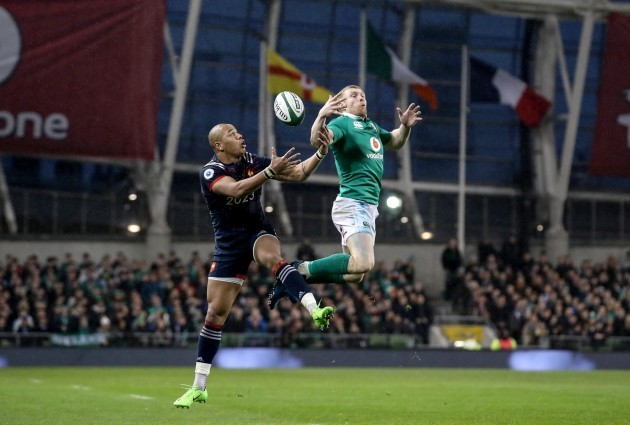 Keith Earls with Gael Fickou