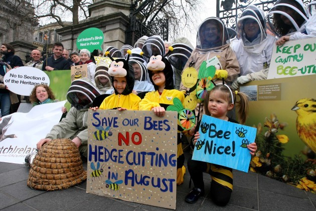 NO FEE 4 Beekeepers Ireland protest