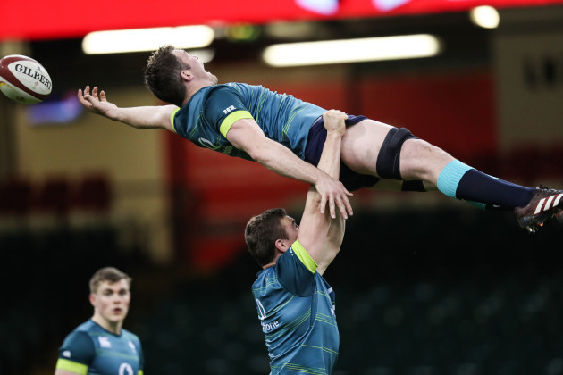 Tommy O'Donnell lifts Peter O'Mahony