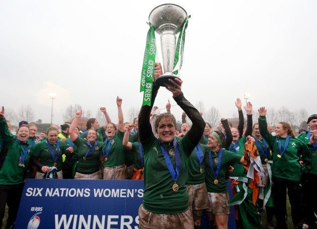 Fiona Coghlan lifts the cup