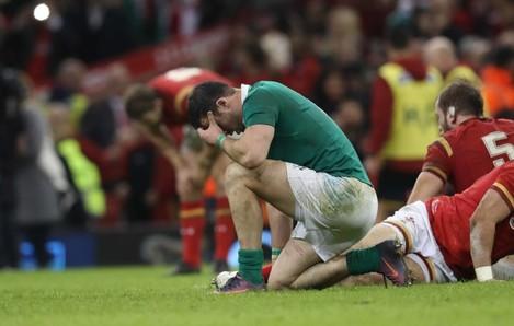 Robbie Henshaw dejected