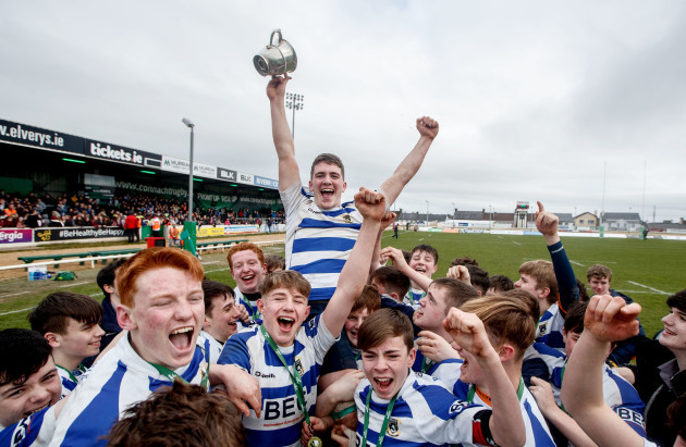 Odhran Dooley with the trophy