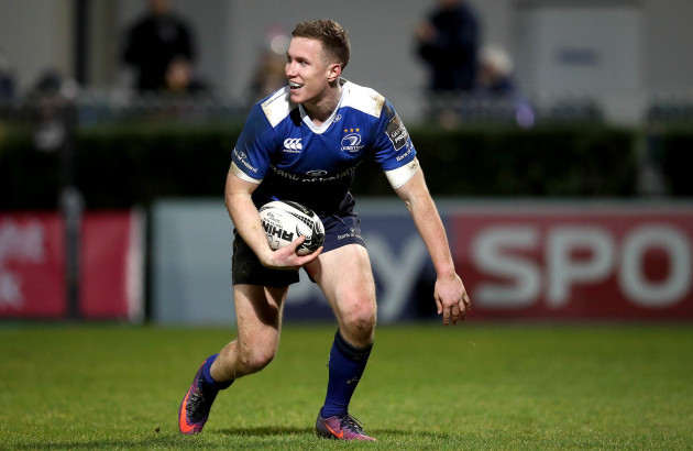 Rory O'Loughlin scores a try