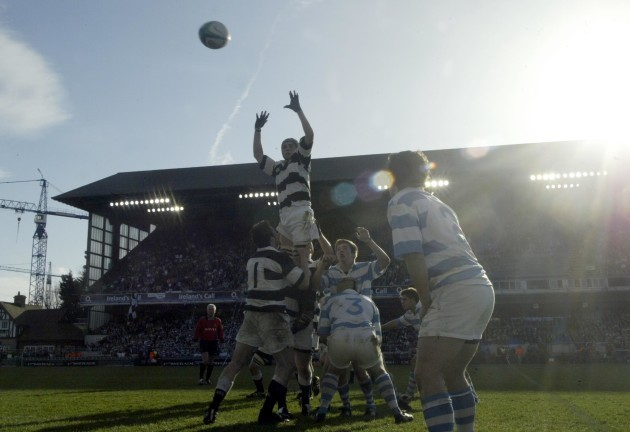 A general view of a lineout