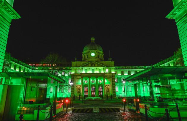 Ireland: Dublin Goes Green for St Patrick's Day