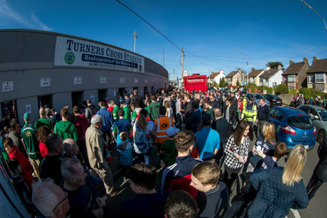 Fans make their way into Turners Cross