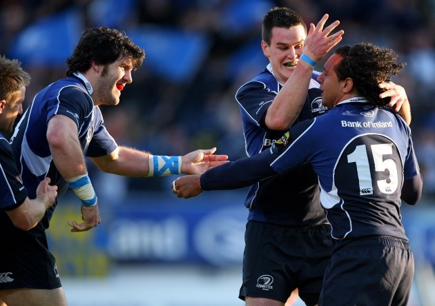 Shane Horgan celebrates his try with Jonathan Sexton and Isa Nacewa