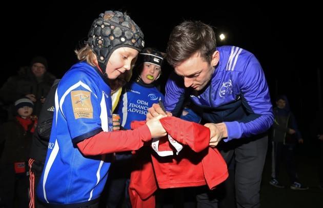 Darren Sweetnam meets members of the Bandon RFC U-10 side