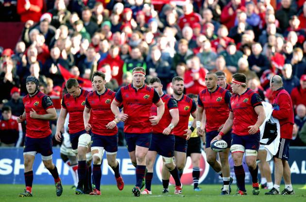 Munster walk back after CJ Stander scores a try