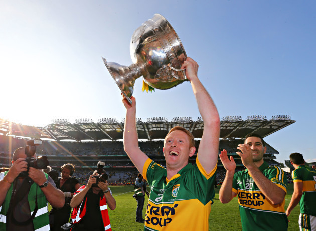 Colm Cooper lifts the Sam Maguire cup