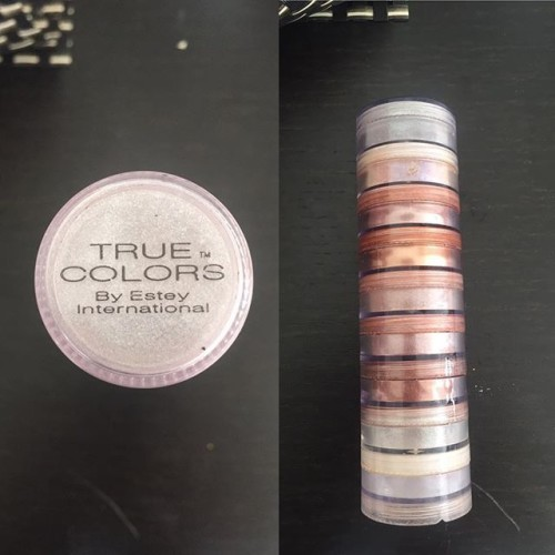 A little flash back for you makeup lovers. Remember this? Yep. That's mine which I still proudly own. Oh true colors. How you started many makeup obsessions and gave even more people epically horrible frosty white eyelids in the early 2000's ❤ . . . . . #truecolors #2000smakeup #makeup