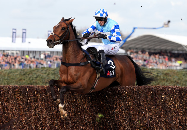 Ladies Day - Crabbie's Grand National Festival - Aintree Racecourse