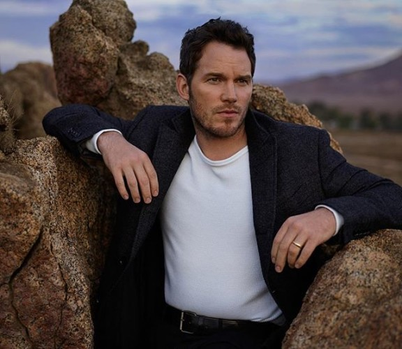 One more still from the @vanityfair photo shoot. I have to credit the brilliant photographer @markseliger who discovered me wedged between these two rocks. It took him all day to pull me out. I had been stuck there for hours. I had barely enough strength to stare pensively into the distance. I mean, it was bad. Anyways. I almost had to chew off the lower half of my body to get out. But I'm not flexible enough. Bottom line. I could have died. But thanks to the brilliant photographer @markseliger I'm alive to tell the story, which is currently being optioned for a movie.