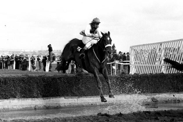 Horse Racing - 1977 Grand National - Aintree
