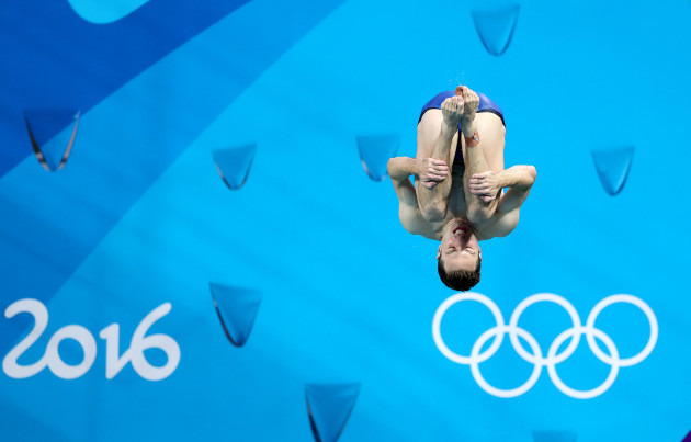 Oliver Dingley warming up ahead of the Men's 3m Springboard final