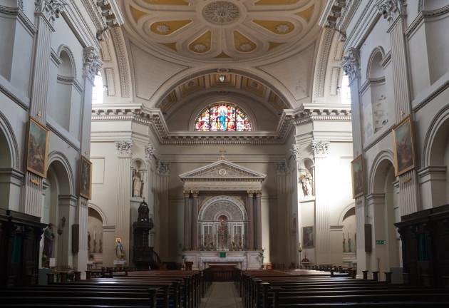 Dublin_Roman_Catholic_St._Audoen's_Church_Nave_2012_09_28