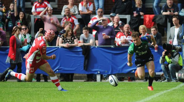 Matt Healy scores his side's third try