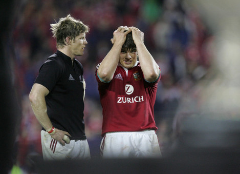 Simon Easterby with a dejected Donncha O'Callaghan