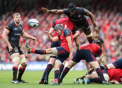 Duncan Williams clears the ball under pressure from Maro Itoje