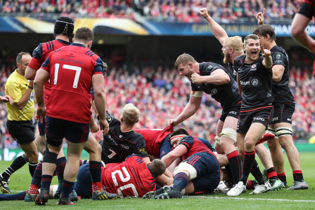 Saracens celebrate as Mako Vunipola scores a try